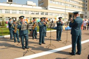 Оркестр пожарно-спасательного гарнизона Москвы выступил на детском празднике