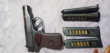Столичными полицейскими на юге столицы задержан подозреваемый в незаконном хранении оружия